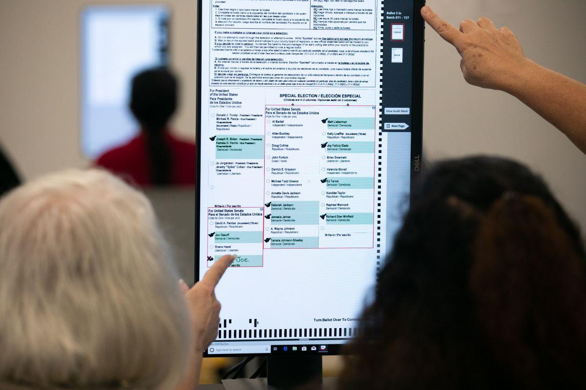 DHS refuta a Trump y asegura que las elecciones fueron las más seguras de la historia