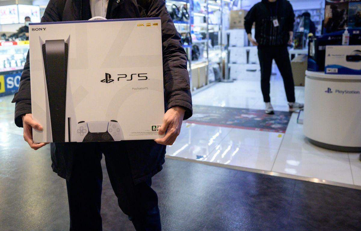 """Sony promete que la consola PS5 estará disponible para final de año después de registrar una demanda """"sin precedentes"""""""