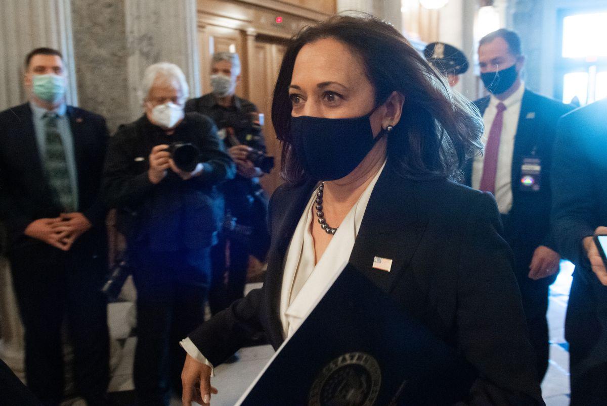 Varios republicanos felicitaron a Kamala Harris en su regreso al Senado