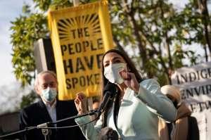 Alexandria Ocasio-Cortez y su exigencia a Joe Biden sobre un miembro de su equipo