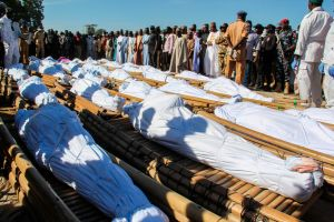 """Nigeria: un """"demencial"""" ataque deja decenas de agricultores muertos"""