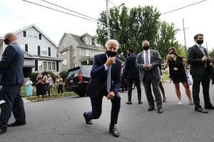 Biden sufre esguince de tobillo al resbalar mientras jugaba con su perro