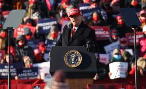 """Trump insiste sin pruebas en audiencia en Pensilvania que ganó """"por mucho"""" a Biden"""
