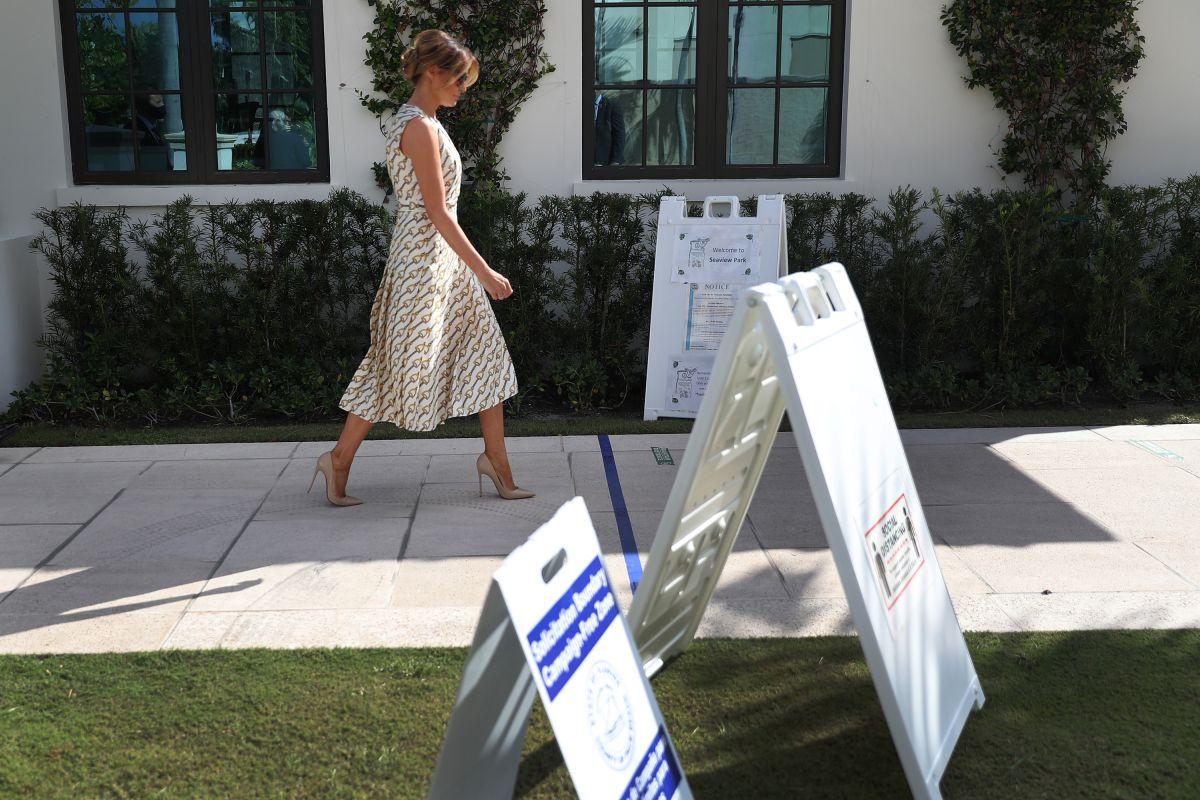 ¿Cuánto cuesta el vestido 'chic' que lució Melania Trump al votar en Florida?