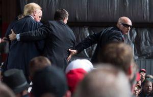 El Servicio Secreto busca quién se quiera ir con Trump a Mar-a-Lago