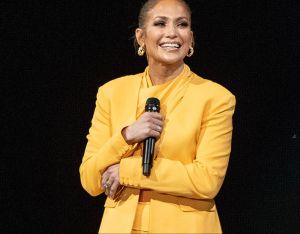 Jennifer López dedica conmovedoras palabras a los latinos en los People´s Choice Awards
