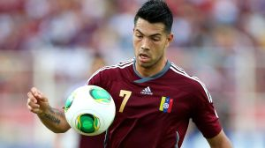 El venezolano Miku debuta como titular con el Deportivo