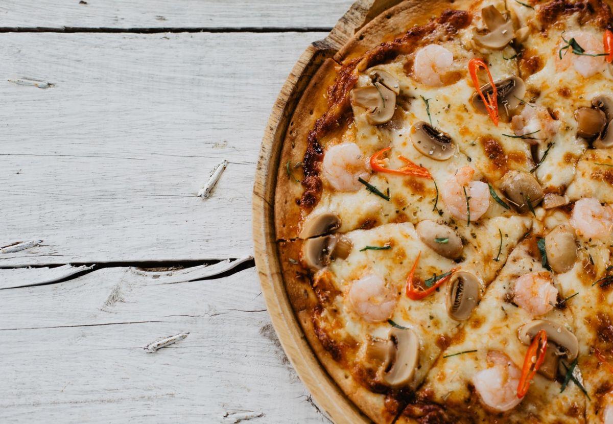 ¿Cuáles son las 5 pizzas con menos calorías?