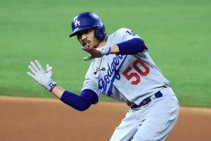 Acaricia la gloria: Mookie Betts está a un paso de conseguir doblete de MVP en distintas ligas de MLB