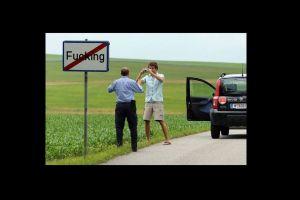 """No más """"Fucking"""": La aldea que cambiará su nombre en 2021"""