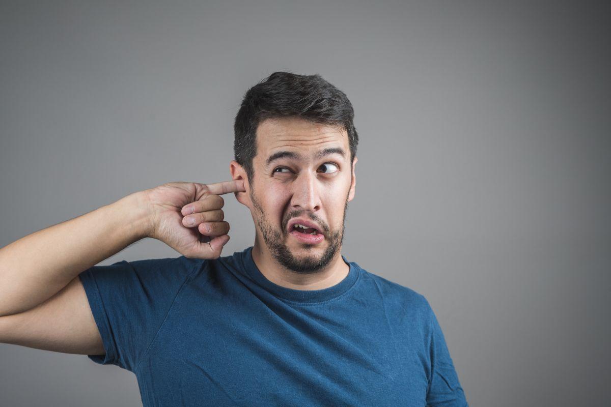 Cómo eliminar la cera de los oídos sin dañar tu sistema auditivo