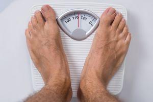 La impactante transformación de un joven repartidor de Florida tras perder 120 kilos