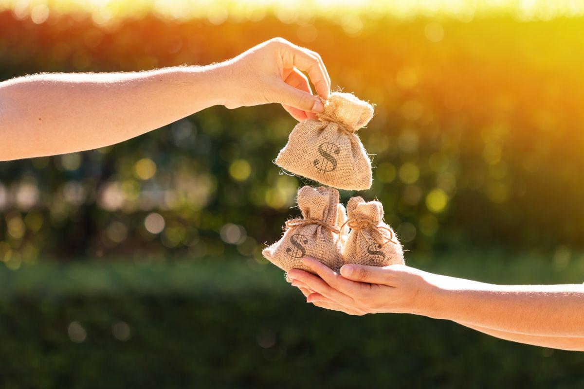¿Por qué algunas personas hacen dinero más fácilmente que otras? (y sin necesidad de trabajar mucho)