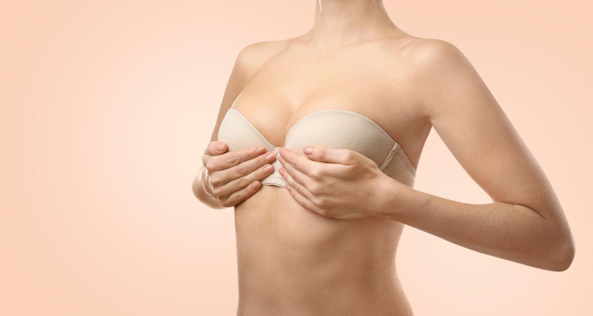 12 tips para mejorar el aspecto de tus senos y cuidar la piel de esa zona