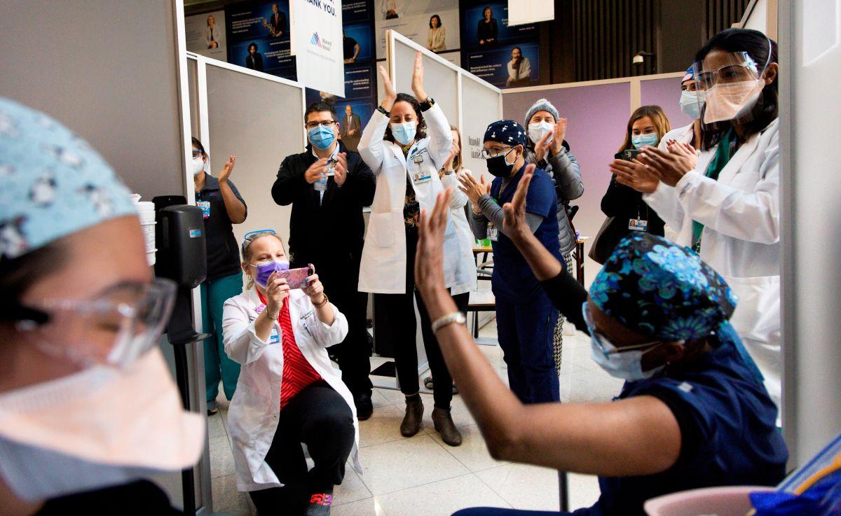 Alcaldía detiene vacunaciones COVID-19 por falta de dosis en Nueva York