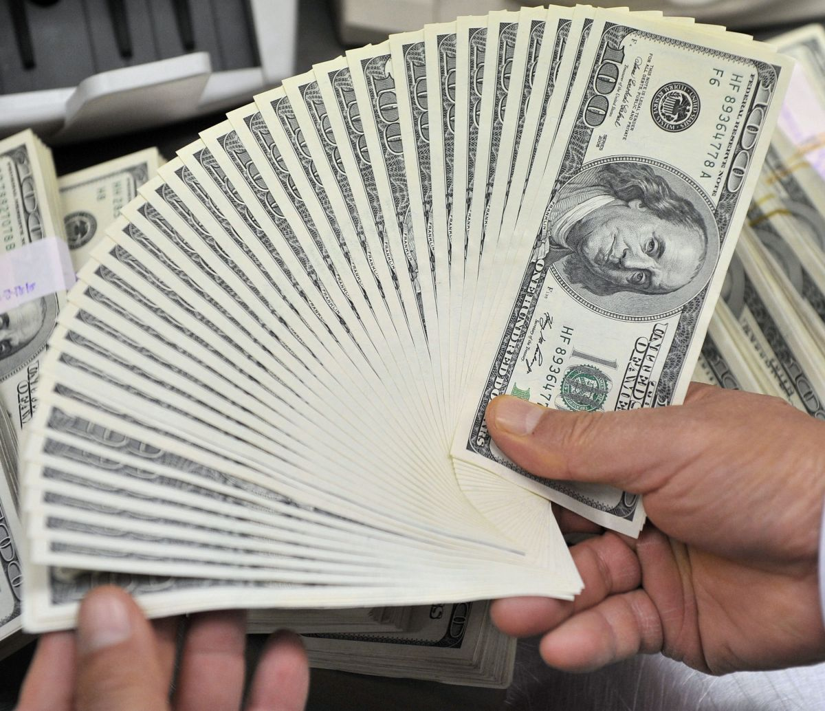 ¿Qué pasó con la propuesta de un cheque de estímulo de $2,000 dólares?