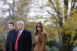 Melania Trump toma sus precauciones en Florida con su hijo Barron ante derrota de Trump