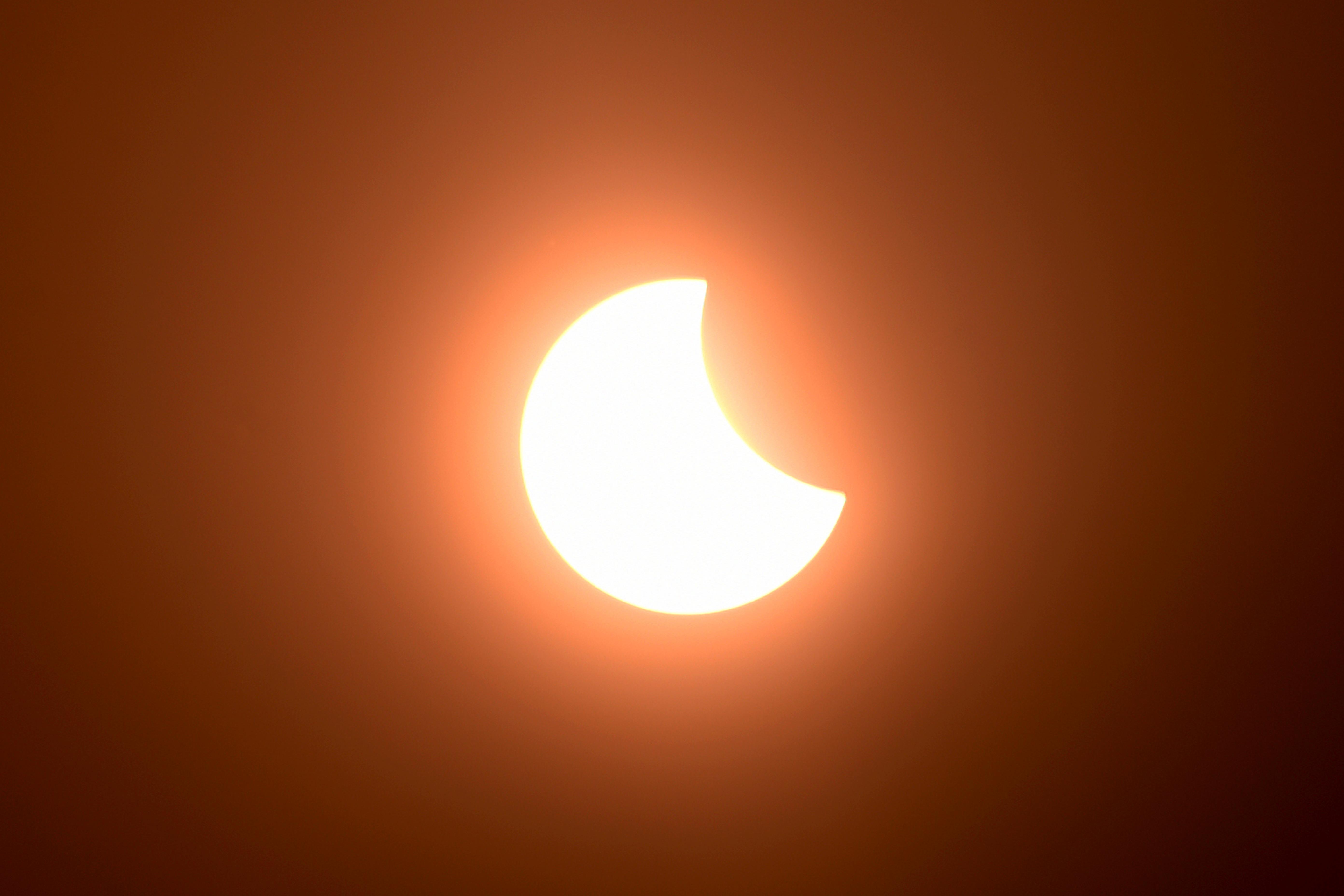 ¿Qué hace única y especial a la corona solar que se verá en el eclipse del 14 de diciembre?