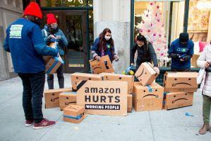 Victoria federal para trabajador de Amazon despedido por protestar en Nueva York; 19 mil empleados contagiados en la pandemia