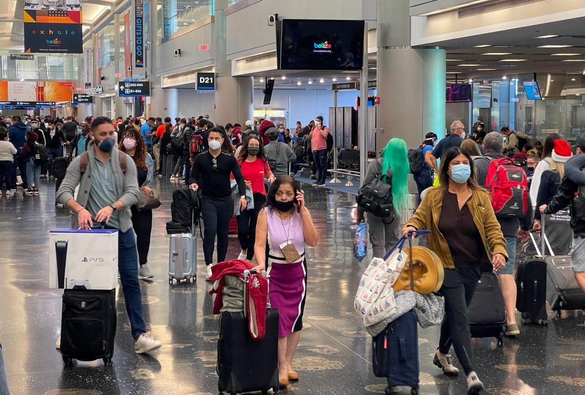 Estados Unidos registra un nuevo récord pandémico en el número de viajeros durante el día de Navidad