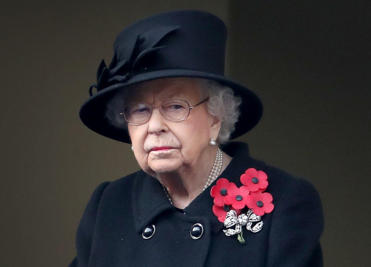 La Reina Isabel II quedó muy triste por la muerte de uno de los cachorros que le regalaron.