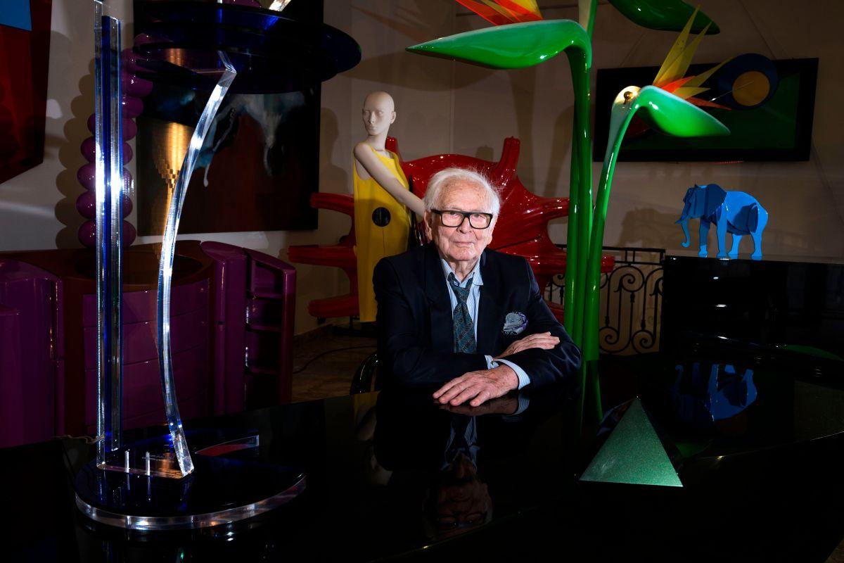 """Cuánto dinero tenía el diseñador Pierre Cardin, el padre de la moda """"lista para llevar"""""""