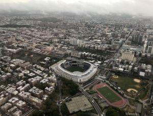 Yankees donan recursos a familias y negocios del Bronx