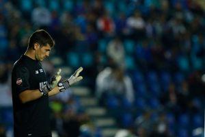 """Messi y Budweiser provocan avalancha de """"memes"""" para Iker Casillas por su campaña de regalar una cerveza por gol recibido de """"La Pulga"""""""