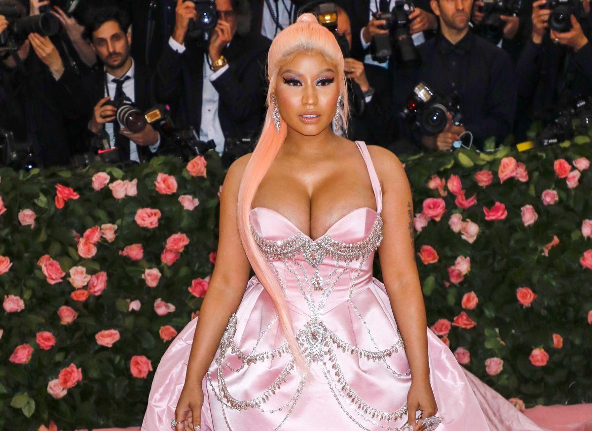 Nicki Minaj alborota a sus fans con sexys fotos en tanga y sin sostén
