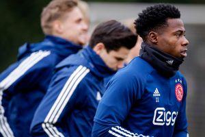 Jugador del Ajax fue arrestado por apuñalamiento, la víctima resultó gravemente herida