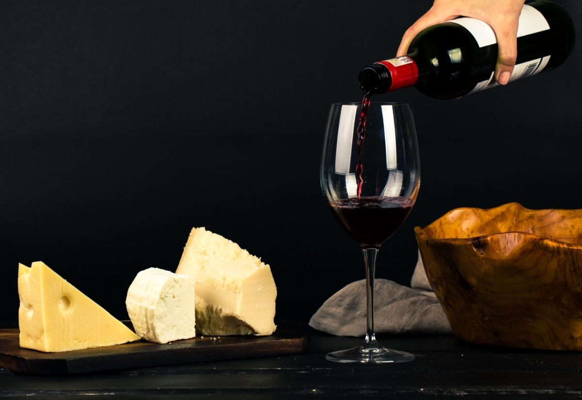 Wine and cheese can be good for your brain