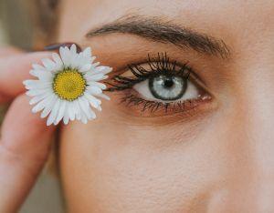 Rutina antienvejecimiento para el rostro totalmente natural en sólo 5 pasos