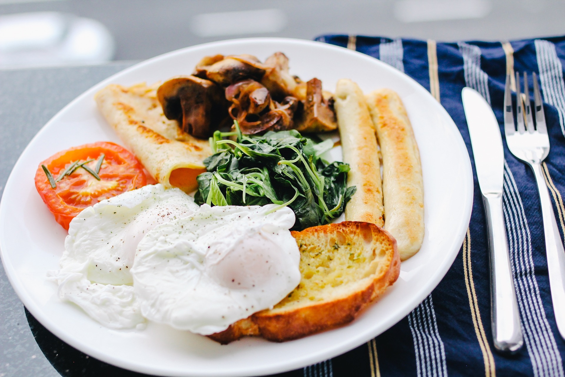Eggs with sausages