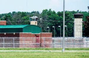 Gobierno de EE.UU. ejecuta a condenado que asesinó a su hija de 2 años por uso del inodoro