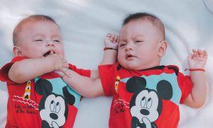 Tatuó a uno de sus bebés y su suegra enfureció; hubo una razón poderosa para hacerlo