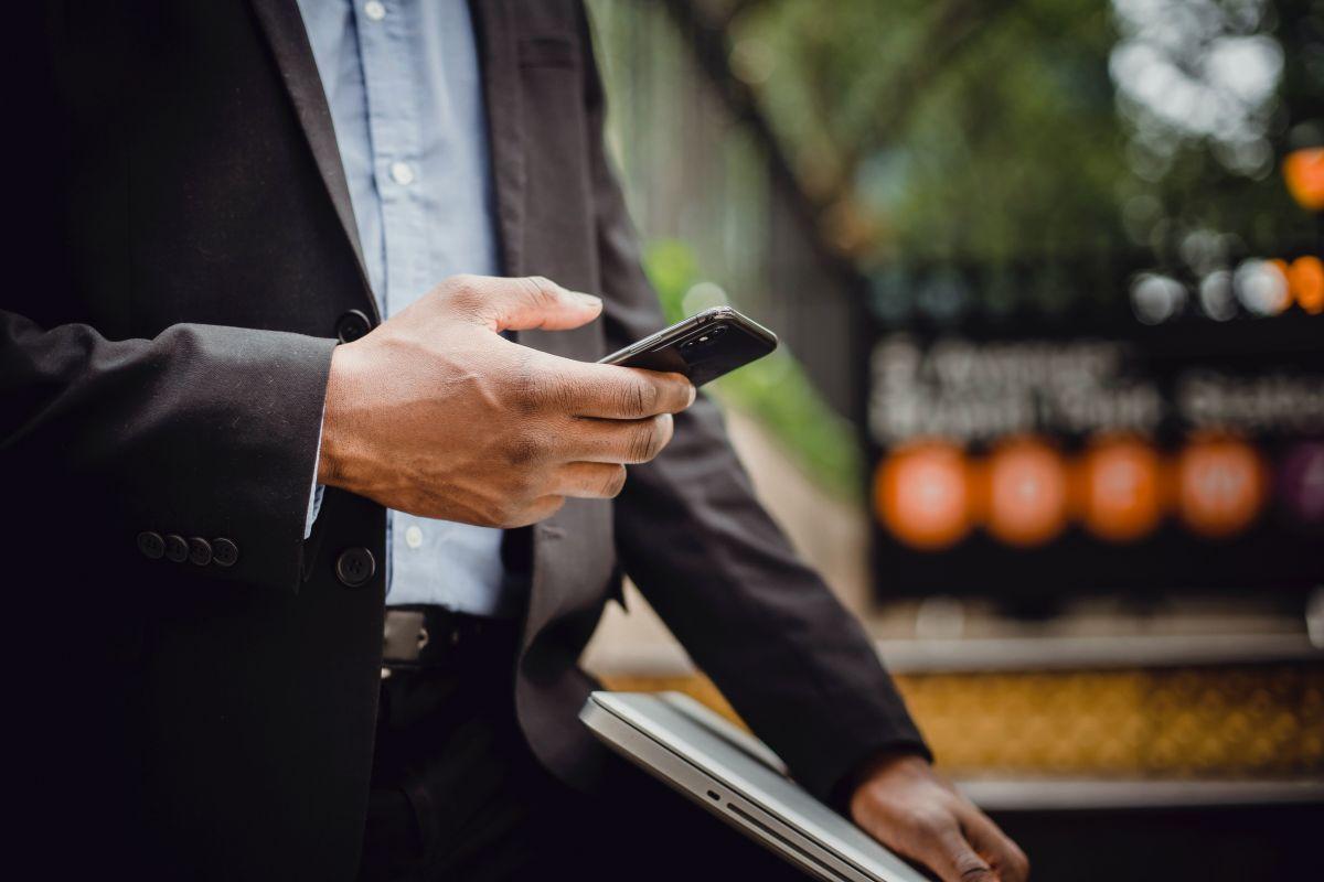 OnlyFans crece a un ritmo explosivo al compartir material íntimo generando $2,000 millones de dólares anuales