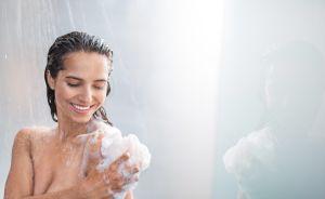 ¿Te bañas diario? Profesor de Yale no lo hace desde 2015 y explica por qué