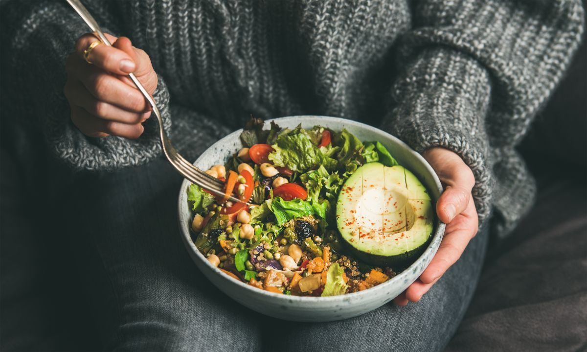 4 alimentos económicos que ayudan a curar el hígado graso y bajar esos kilos de más