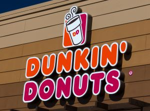 Ataca con cuchillo a empleada de Dunkin' Donuts por no tener las donas que quería