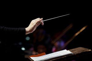 Glass Marcano, la joven venezolana que en 3 meses pasó de vender fruta a dirigir una orquesta en París