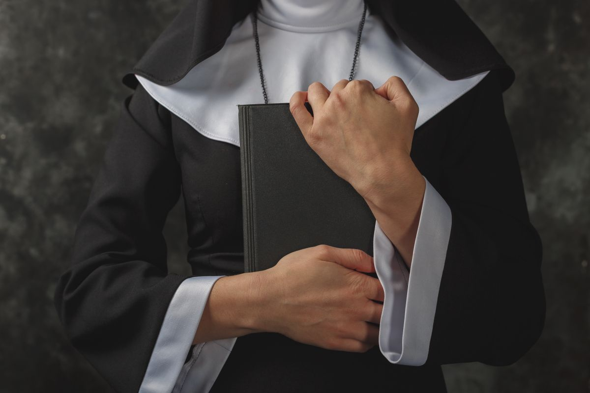 Condenan a sacerdote y monja por haber matado a religiosa que descubrió que eran pareja