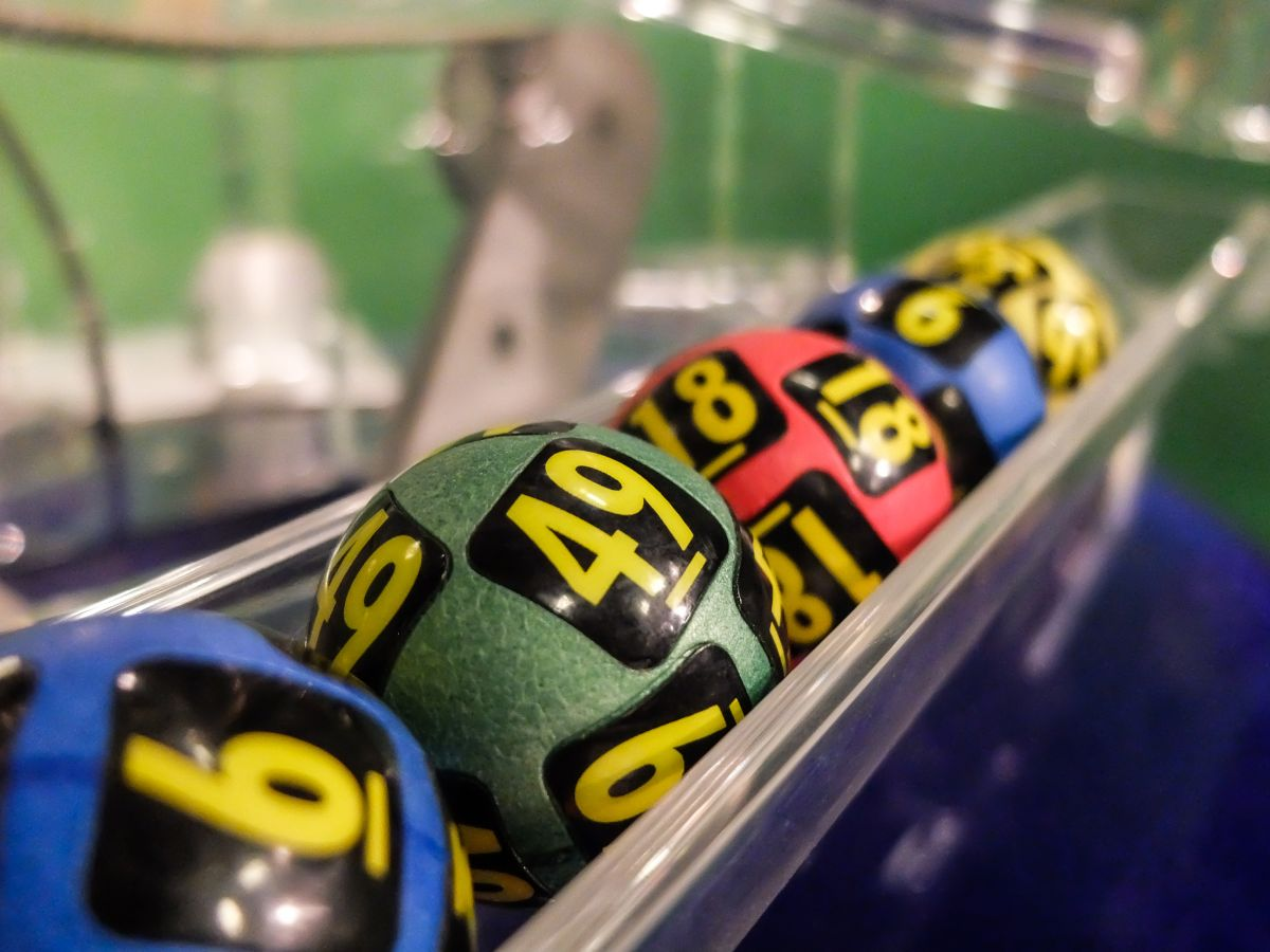 20 personas ganan la lotería con la combinación menos recomendada; sospechan de fraude