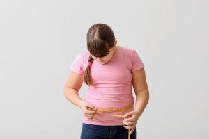 ¿Cómo ayudar a los niños a mantener un peso saludable?