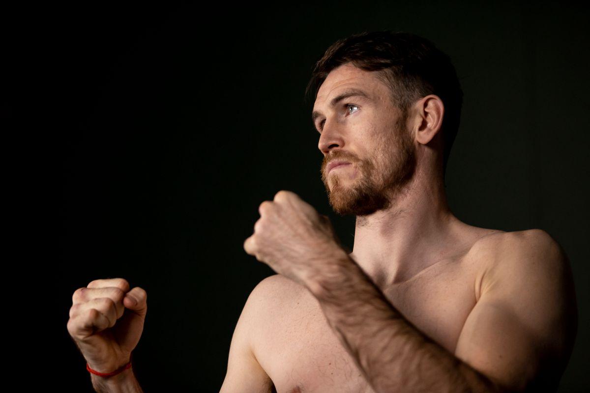 Smith explicó por qué se le dificultó la pelea con Saúl Álvarez.
