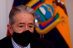 Coronavirus en Ecuador: el escándalo por la decisión del ministro de Salud de vacunar primero a sus familiares