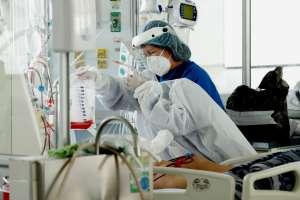 Niña hispana no vacunada se encuentra en coma por Covid-19 tras fuerte brote en Florida