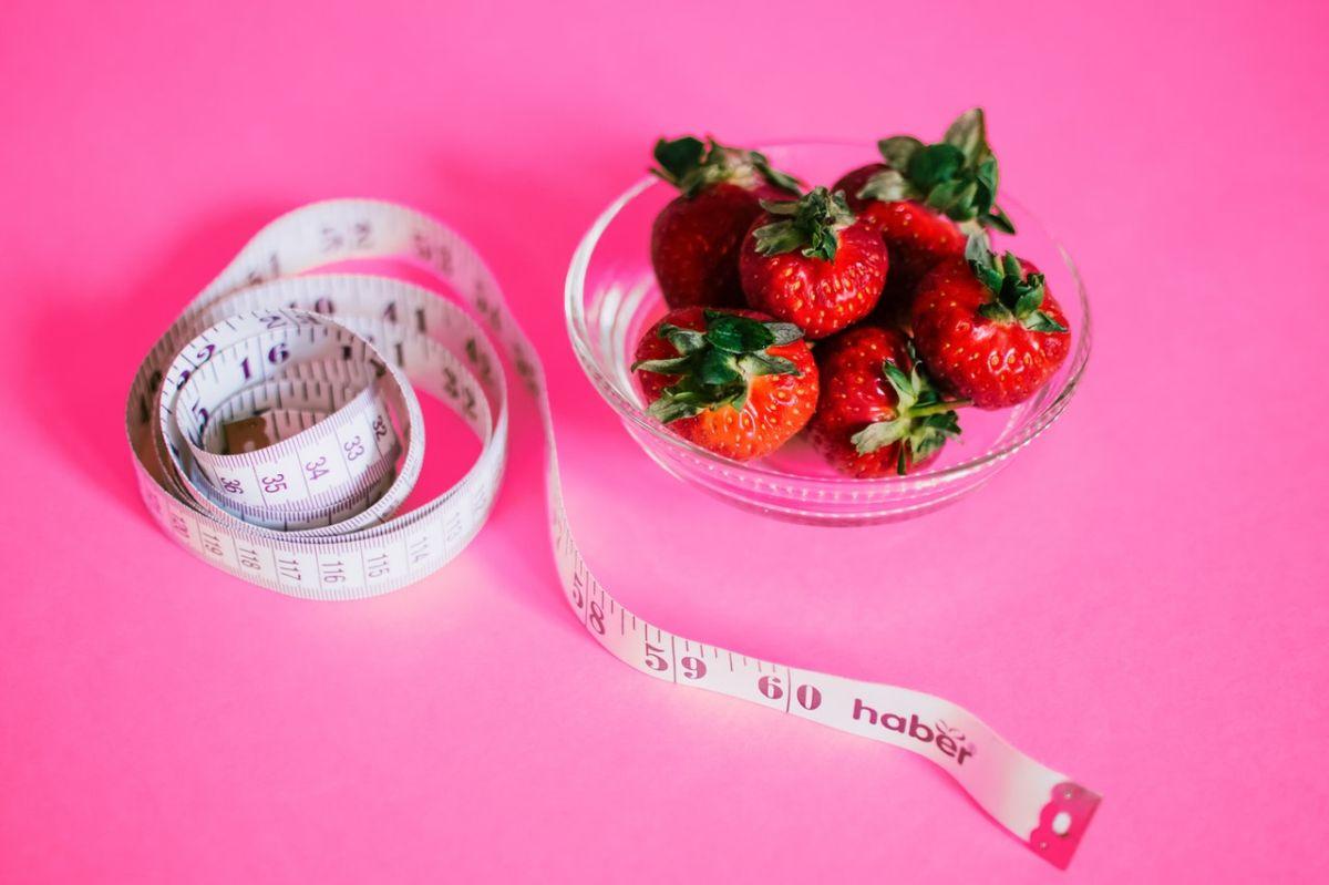 8 refrigerios saludables para disfrutar mientras trabajas desde casa y perder peso