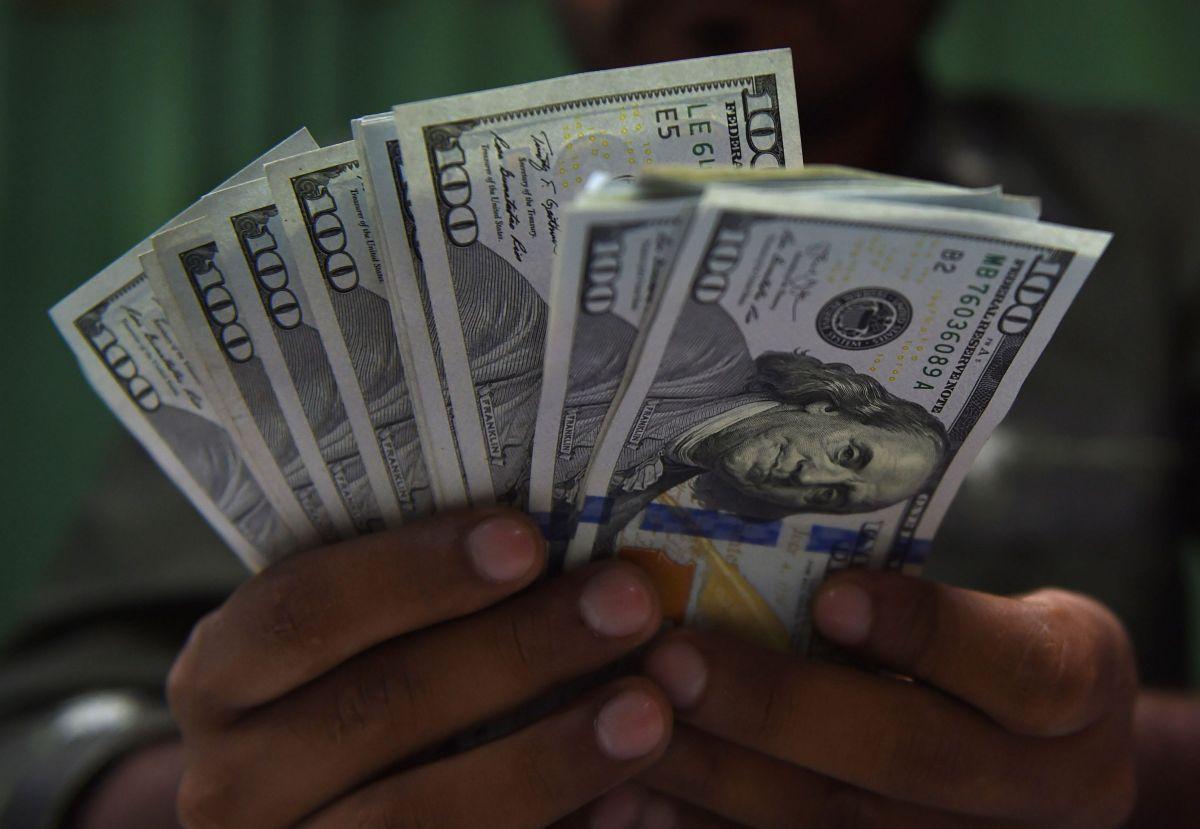 El IRS está enviando pagos de $3,061 dólares en promedio por devolución de impuestos
