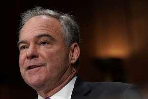 Senado analiza plan para bloquear a Trump ante poca esperanza con 'impeachment'