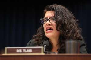 Representantes demócratas presionan para que tercer cheque de estímulo sea de $2,000 y no de $1,400